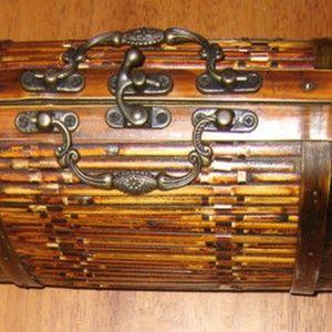 Handbags - Vintage Antique Unique Style Basket Handbag